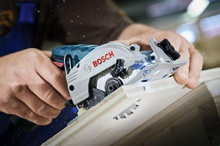 Акумулаторен циркуляр Bosch GKS 12V-26 Professional + L Boxx